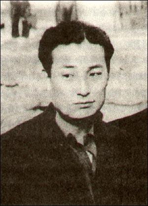 1940년 8월, 아랑 시절의 배우 황철. 1940년 8월, 아랑 시절의 배우 황철.